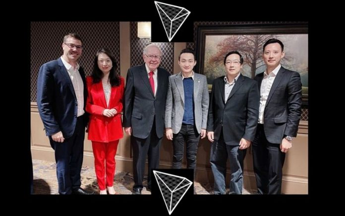 Warren Buffett Still Has His 1 BTC and Two Million TRX Tokens Intact –Justin Sun